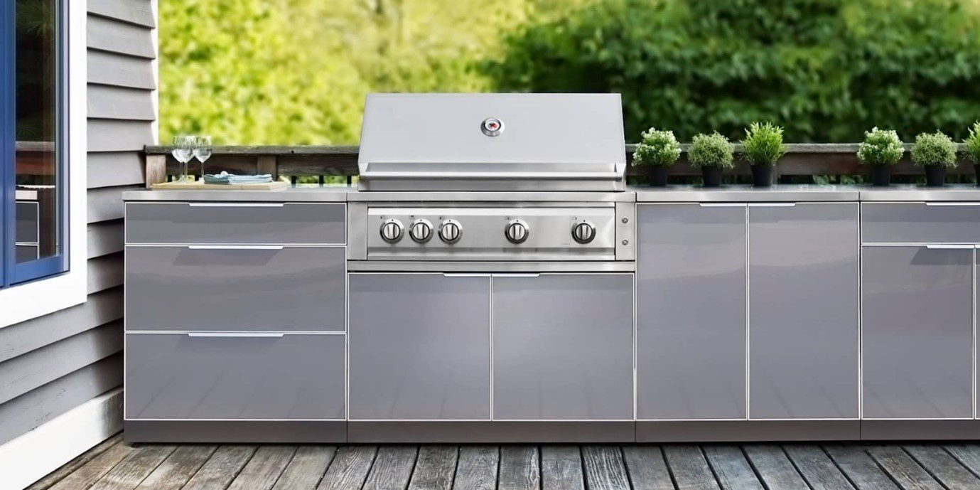 look at this Aluminum Cabinet having a grill area and pizza oven
