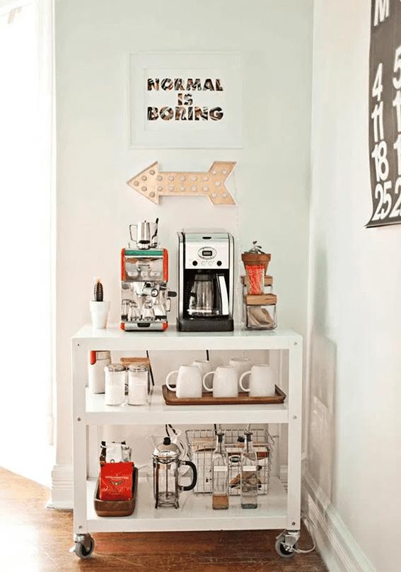 Coffee cart having coffee machine and coffee mugs